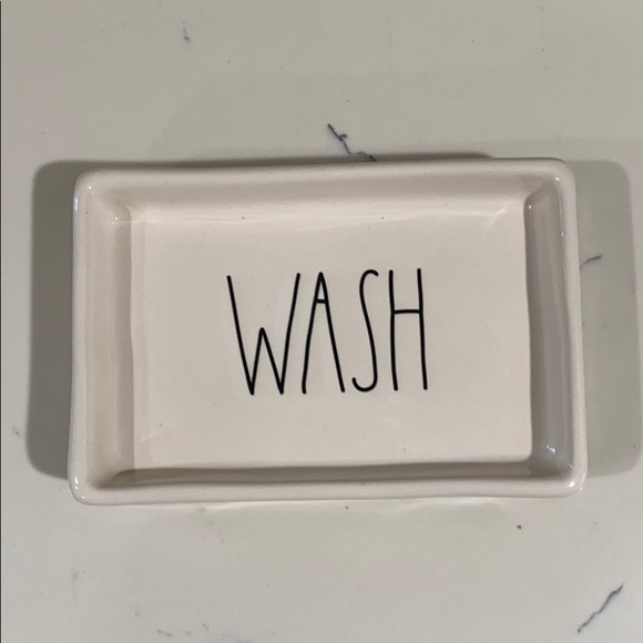 NWT Rae Dunn wash soap dish